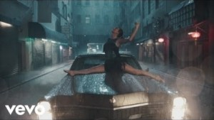 Video: Taylor Swift - Delicate